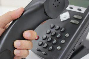 光電話の音声が途切れる原因は何なのか